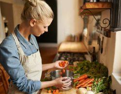 Chọn thực phẩm giúp trẻ hóa da theo từng độ tuổi